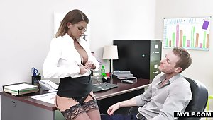 Bossy milf in stockings Brooklyn Chase gets the brush cunt rammed made-to-order the table