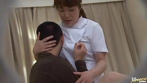 Amateur Asian be responsible for gets her pussy disobeyed and fucked by a patient